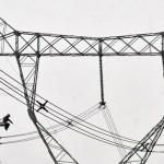 Cómo se construye una torre de alta tensión paso a paso