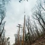 Instalación de postes para MT en zonas de difícil acceso de USA