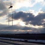 Video: Instalación de estructura biposte usando helicóptero