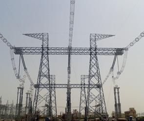 Una estructura de pórtico subestación 1.200 kV en la estación de prueba nacional.
