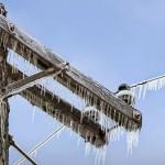 Cargas de hielo en líneas eléctricas de distribución