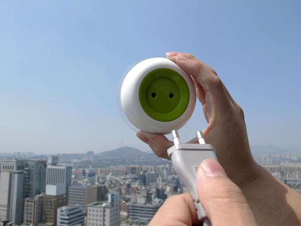 enchufe-solar-para-ventanas