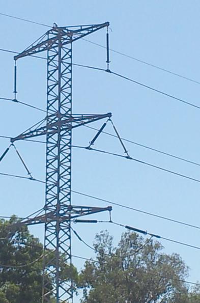 Una estructura de suspensión en la línea de 161 kV de doble circuito.