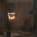 Video: Ensayo de contorneo bajo lluvia de aislador polimerico 36 kV