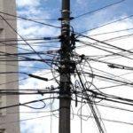 Ecuador: Postes son utilizados inadecuadamente por proveedoras de servicios de comunicación