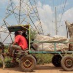 El riesgoso y desesperado negocio de los buitres del cobre en Venezuela