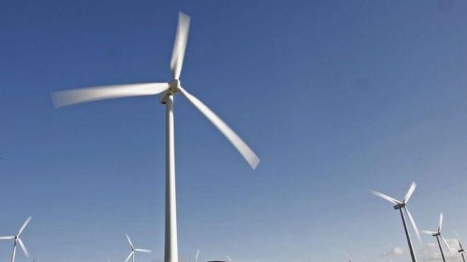 En 2015, en China se instalaron dos turbinas de viento cada hora.