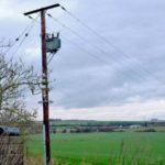 ¿A cuánta velocidad viaja la electricidad por el cable?