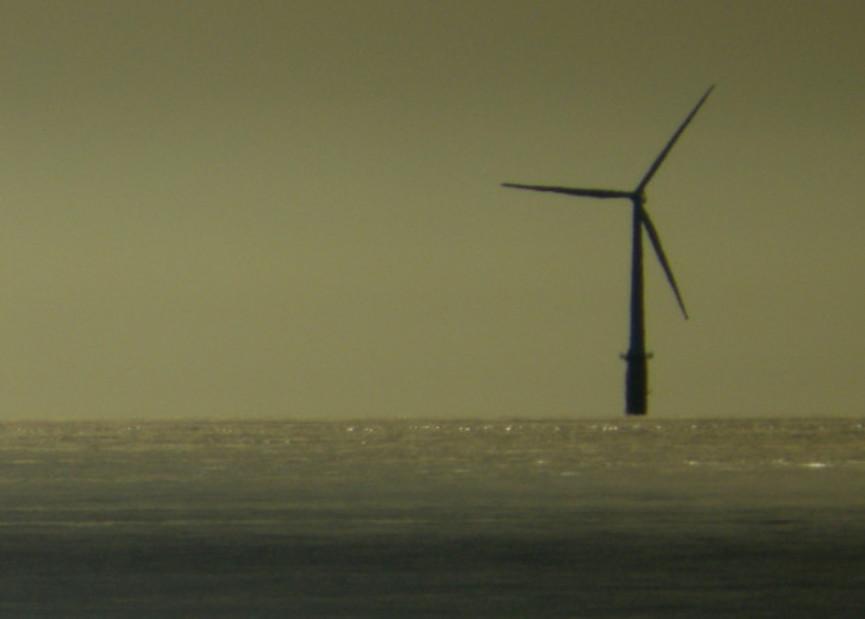 Las estaciones de energía eólica flotantes son más eficientes que las terrestres