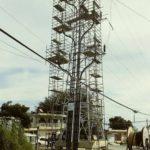 Montaje de una torre de transmisión soterrada