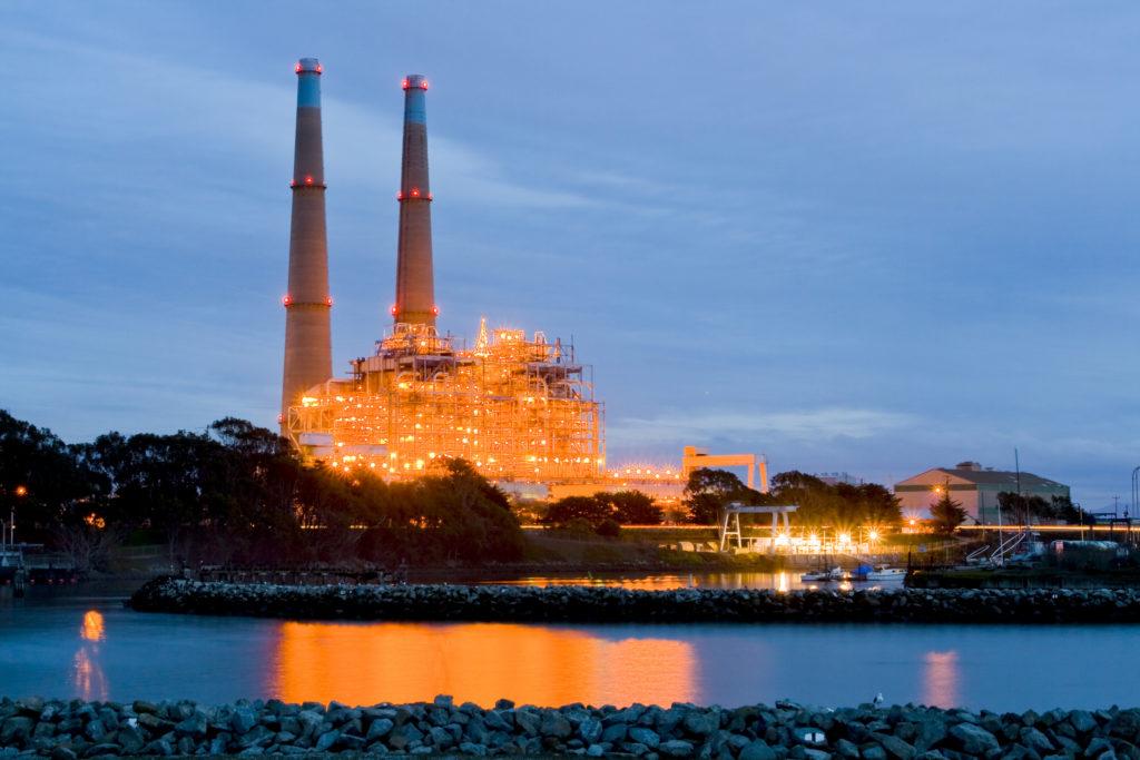 El desorbitado precio de cargar el mundo con energía 100renovable